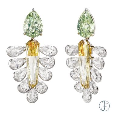 A PAIR OF DIAMOND EARRINGS Luxury Exceptional wearable art forms hk
